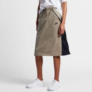 NWT Nike Tech Hypermesh Midi Skirt Tan Black